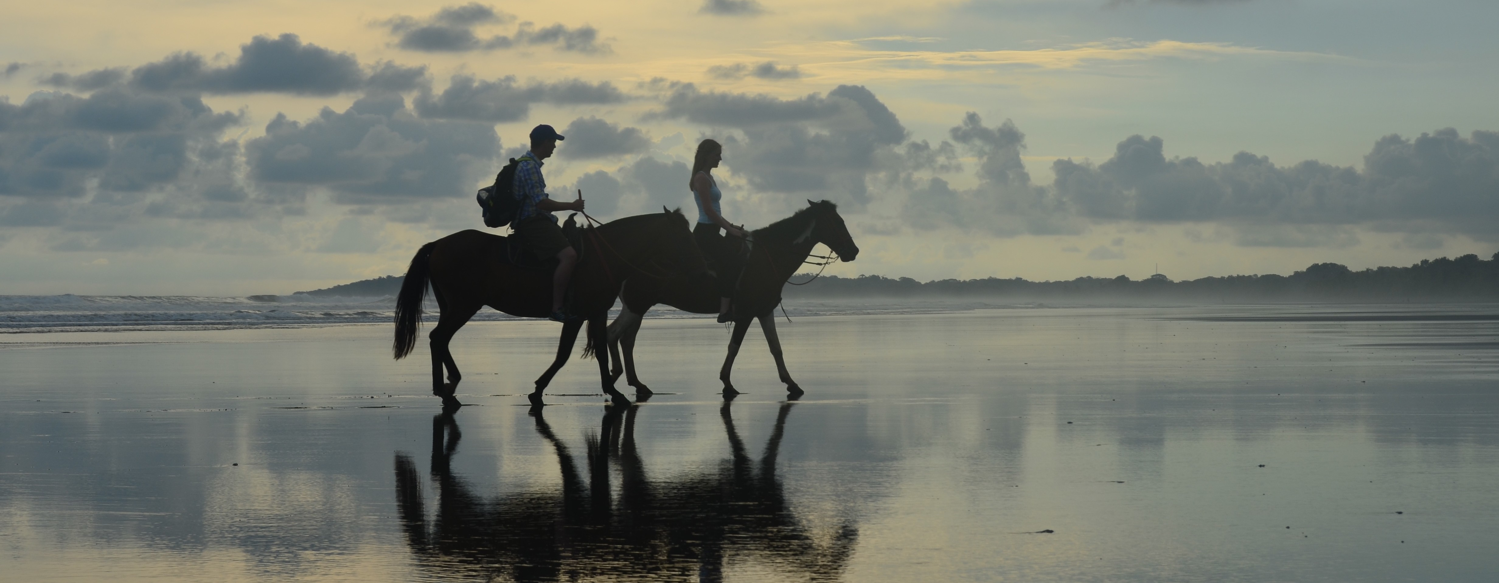 Horseback Riding Manuel Antonio - the riding adventure sunset